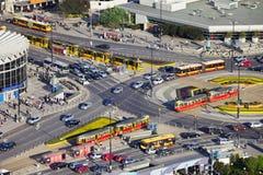 Traffico di ora di punta sulla rotonda Fotografia Stock