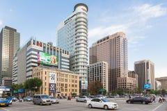 Traffico di Seoul in distretto del centro Fotografia Stock