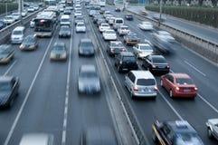 Traffico di viaggio delle automobili Fotografie Stock Libere da Diritti