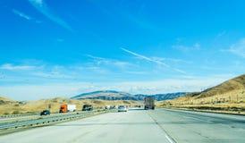 Traffico diretto a sud in 5 da uno stato all'altro Fotografia Stock