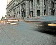 Traffico e costruzione di città Fotografia Stock