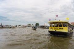 Traffico nel fiume di Bangkok Immagini Stock Libere da Diritti