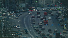 Traffico nella grande città video d archivio