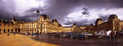 Traffico occupato a Parigi Immagini Stock