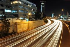 Traffico pesante a Tel Aviv alla notte Fotografia Stock Libera da Diritti