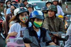 Traffico in Saigon, migliaia di Haotic di motociclette Fotografia Stock