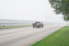 Traffico stradale nebbioso Immagine Stock Libera da Diritti