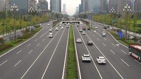 Traffico sul viale di Tianfu a Chengdu stock footage