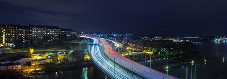 Traffico sull'autostrada senza pedaggio Immagini Stock Libere da Diritti
