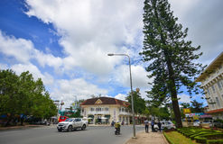 Traffico sulla via principale in Dalat, Vietnam Fotografia Stock Libera da Diritti