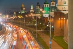 Traffico urbano di notte Fotografia Stock Libera da Diritti