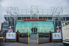Trafford viejo es hogar del club del fútbol del Manchester United imagenes de archivo