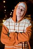 Traficante joven en la noche Foto de archivo