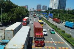Trafik för Baoan 107 medborgareväg Fotografering för Bildbyråer