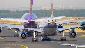 Trafik för Frankfurt flygplats stock video