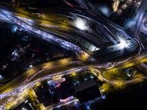 Trafik 02 för huvudväg för nattstadsljus Royaltyfria Foton