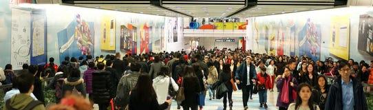 Trafik för rusningstid (folk) i Hong Kong arkivbild