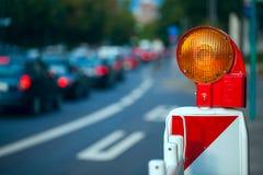 trafik för tecken för röda band för omvägrampekare träungefärlig Royaltyfria Bilder