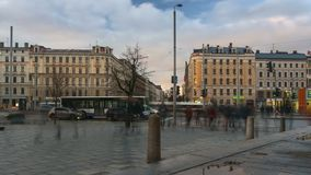 Trafik i den Riga staden arkivfilmer