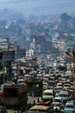Trafik i Katmandu, Nepal fotografering för bildbyråer
