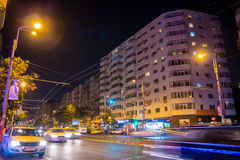 Trafik i natten Royaltyfri Foto