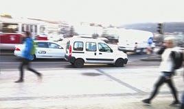 Trafik i Prague Arkivbild