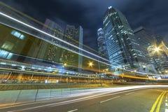 Trafik i i stadens centrum omr?de av den Hong Kong staden royaltyfri fotografi