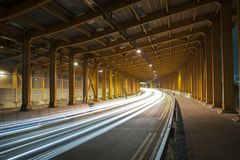 Trafik i tunnel royaltyfri fotografi