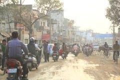 Trafik i Varanasi, Indien Royaltyfri Bild