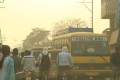 Trafik i Varanasi, Indien Royaltyfria Bilder