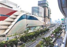 Trafik och utveckling i Bangkok arkivfoton