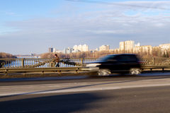 Trafik på bron Royaltyfria Foton