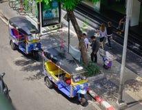 Trafik på centret i Bangkok, Thailand Royaltyfri Bild