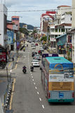 Trafik på den asiatiska gatan Royaltyfria Foton