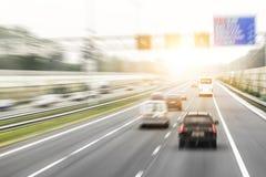 Trafik på den höga vägen Royaltyfria Foton