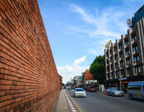 Trafik på gatan i Chiang Mai, Thailand Arkivbilder
