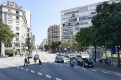 Trafik på gatorna av Barcelona arkivfoto