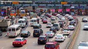 Trafik på i stadens centrum kowloon, Hong Kong lager videofilmer