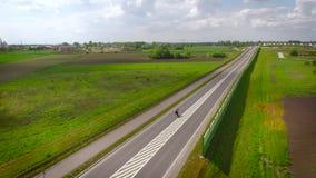 Trafik på huvudvägen lager videofilmer