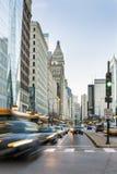 Trafikera i det Chicago centret, Illinois, USA Arkivfoton