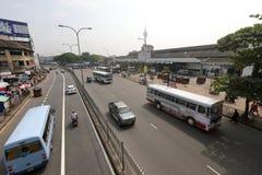 Trafikera kaos och blodstockning från Colombo i Sri Lanka royaltyfri foto