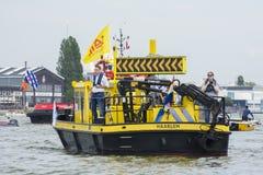 Trafikera kontrollanten under segla 2015 på Amsterdam Arkivfoton