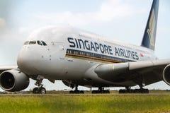 Trafikflygplan för stråle för Singapore Airlines flygbuss A380 Royaltyfria Foton