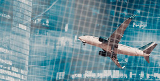 Trafikflygplan i rörelse på abstrakt bakgrund Royaltyfri Fotografi