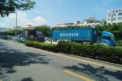 Trafiklandskap av den Shenzhen 107 medborgarevägen Royaltyfri Bild