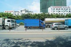 Trafiklandskap av den Shenzhen 107 medborgarevägen Fotografering för Bildbyråer
