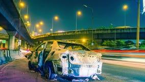 Trafiklinje och tecken på asfalt stock video