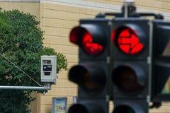Trafikljus med rött ljuskameran Fotografering för Bildbyråer