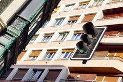 Trafikljus och fasad Royaltyfria Bilder