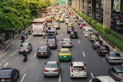 Trafikstockning i Bangkok liv av lönmannen Royaltyfri Fotografi